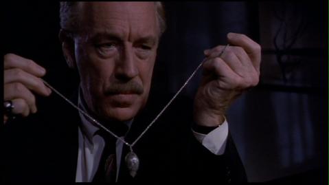 Max von Sydow incarne le diable en personne dans Bazaar, de Fraser C. Heston (1993)